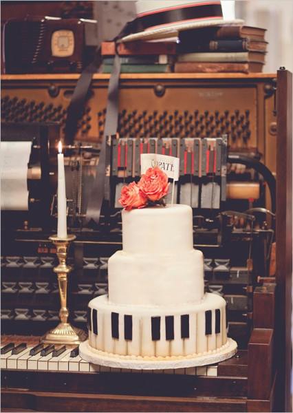 piano_wedding_cake