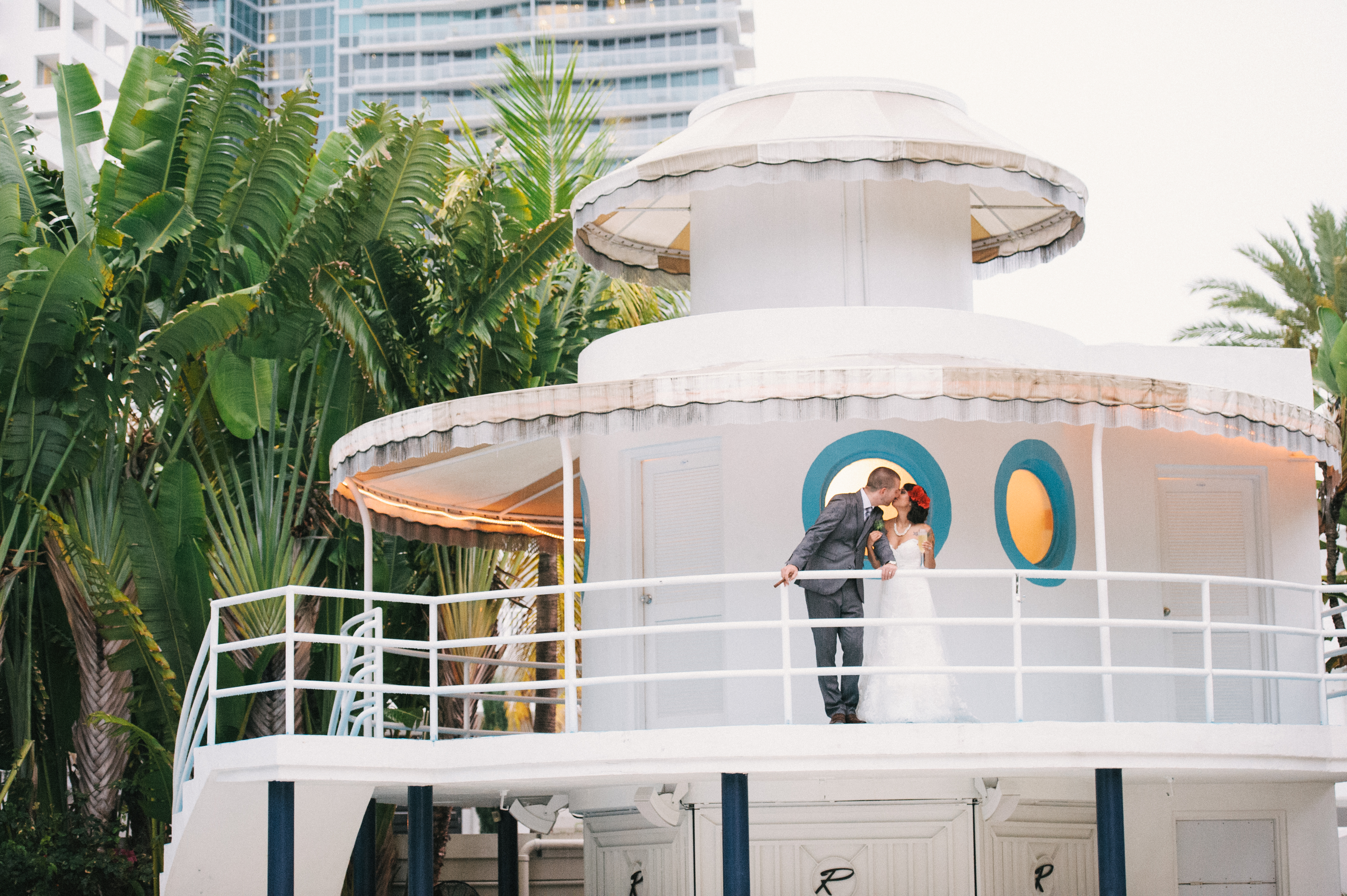 An Art Deco Romance At The Raleigh Hotel Miami Grit