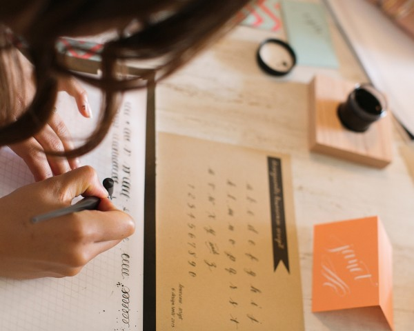 calligraphy-class-workshop-creative-fort-worth-studio-design-grit-and-gold-design-roots9