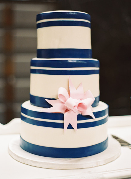 Southern-wedding-preppy-cake