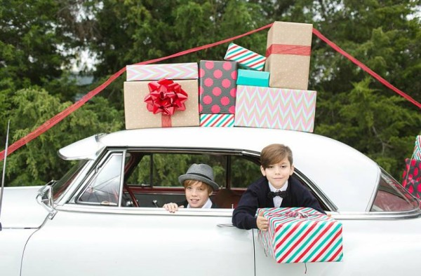 bowtie-vintage-classics-dallas-wedding-collective-grit-and-gold-charla-storey-photography-caroline-creates-christmas-styled-sessions3