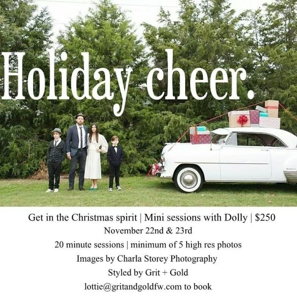 holiday-photos-mini-sessions-Grapevine-christmas-vintage-car