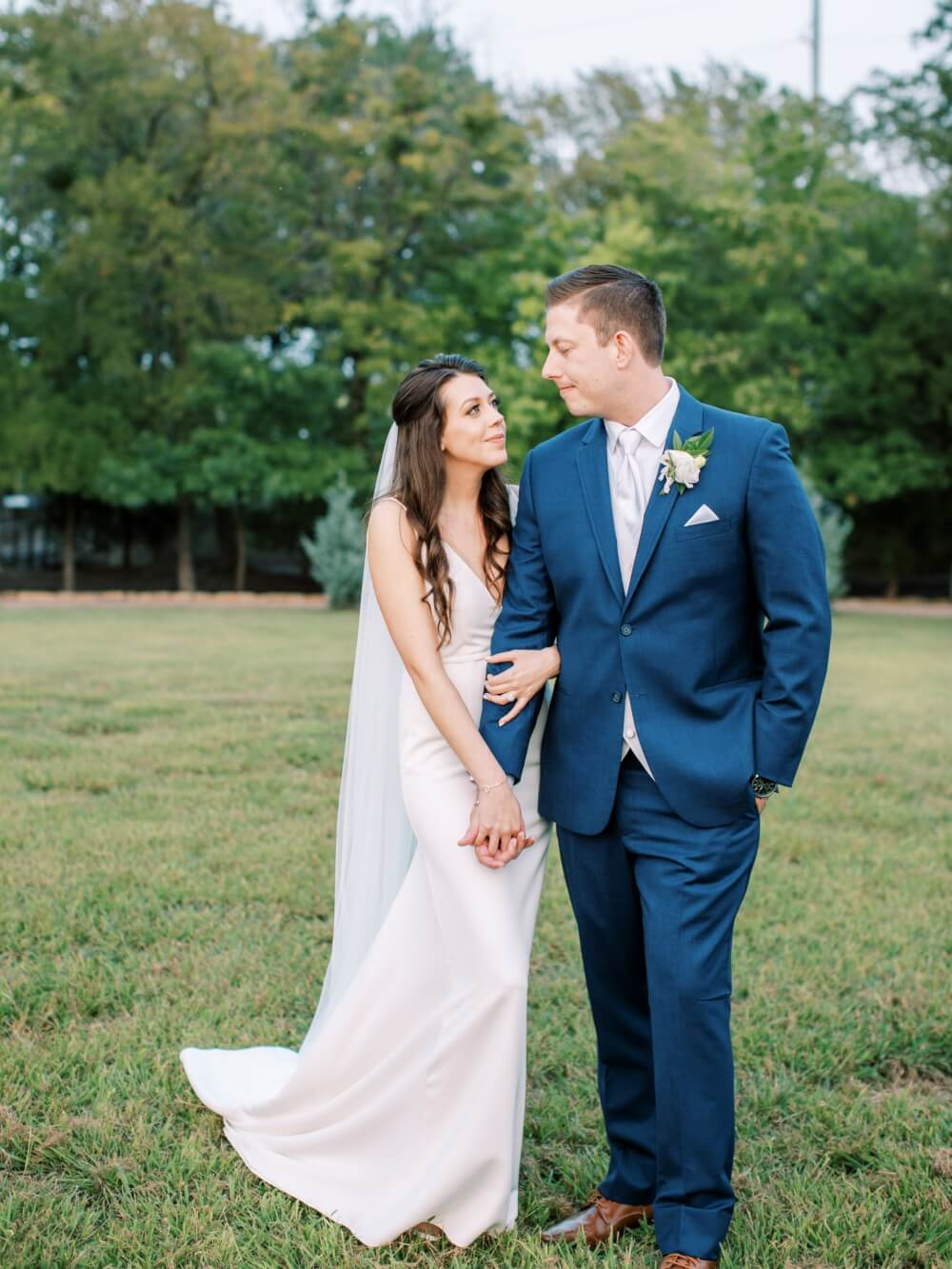 Becca Lea Photography, Dallas Wedding Photographer, Dallas Luxury Wedding, DFW Weddings, Grit & Gold Event Co DFW, Moss Floral, Something You DFW, Company N Films, Le Force DJ, Vestals Catering